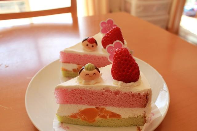 ケーキでひな祭り