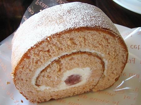 リムーザン 桜のロールケーキ-b