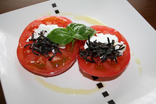 トマトの塩昆布のせ
