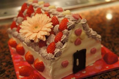 めっちゃ可愛い。幸せホームのウエディングケーキ♪