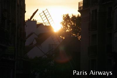 パリ ムーランラデ 夕陽