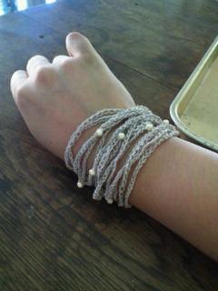 リネン糸のブレスレット
