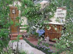 食事を楽しめる庭