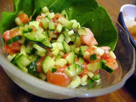 キューリとサーモンのサラダ