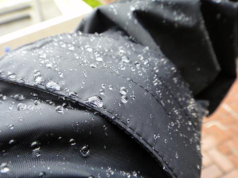 dt_rainsuit2.jpg