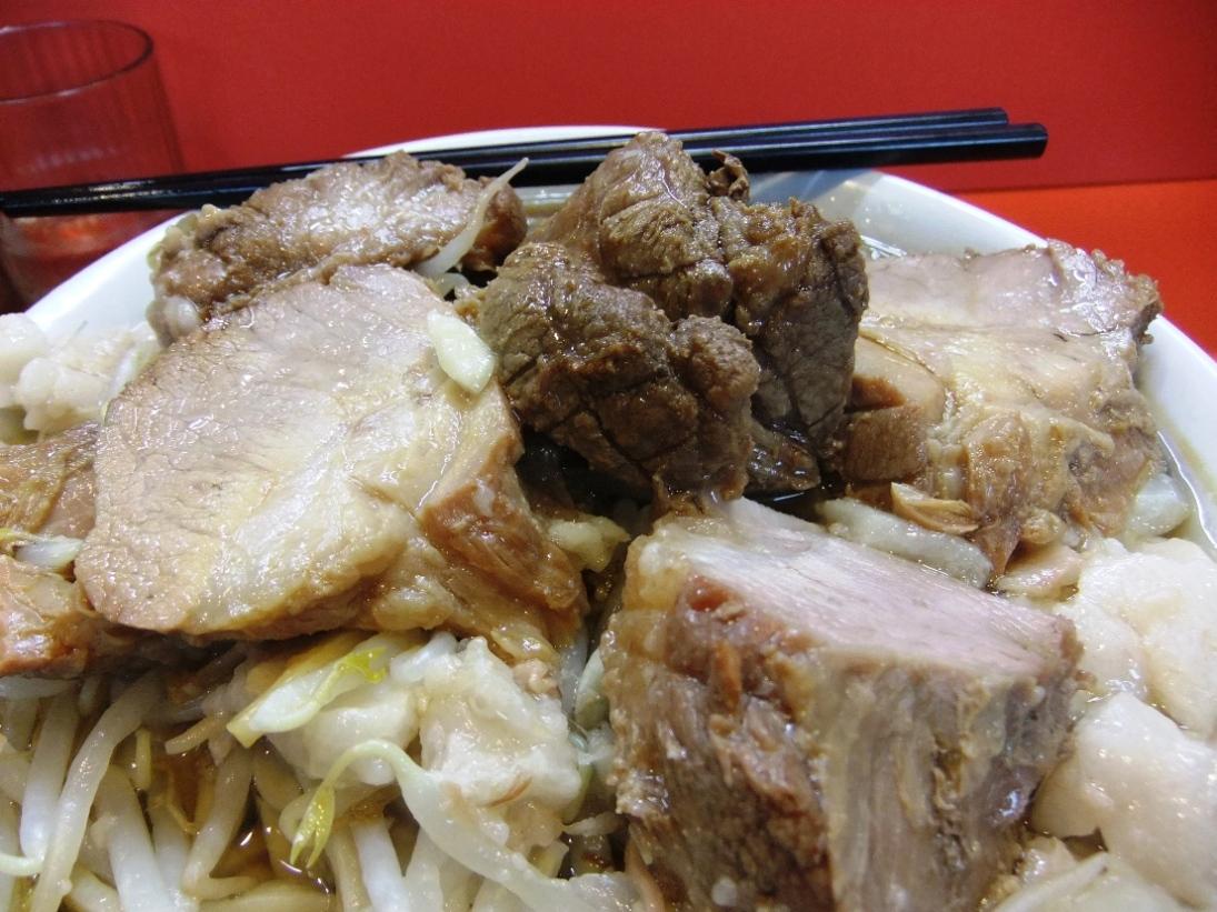 ラーメン二郎 仙川店:豚 11.09.10