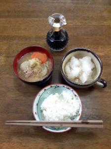 2009年9月3日の朝食は大根飯に豚汁。