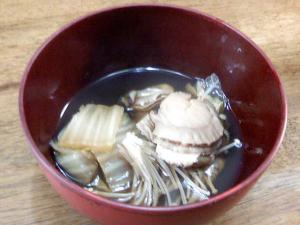 帆立と牡蠣と白菜のスープ