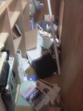地震那須本棚2