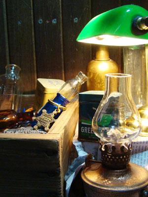 ヴィンテージの照明関連雑貨からヴィンテージキーホルダーなどの小物などが続々入荷しております!