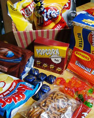 アメリカのお菓子のパッケージって味に関係なくビビットなカラーが多いですよね?