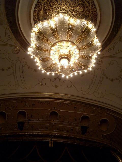 オペレッタ劇場のシャンデリア