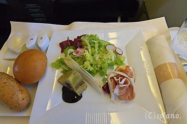 JALビジネスクラス機内食、前菜とパン