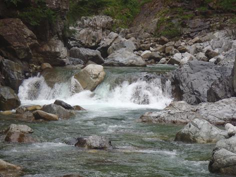 本流の小滝