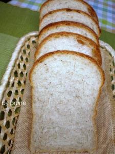 20111025ミルクティー山食byプルーン酵母2
