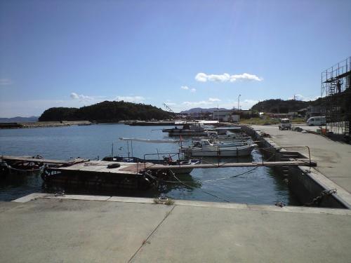 唐櫃港脇の漁港