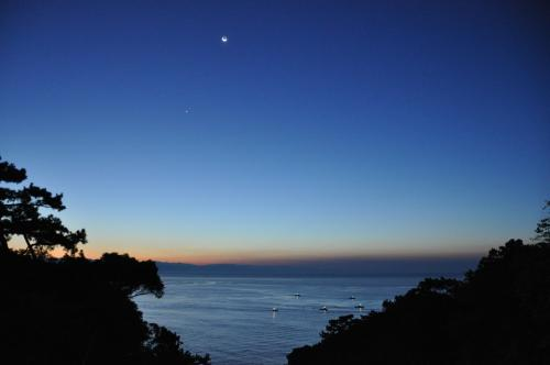 夜明け前の桂浜