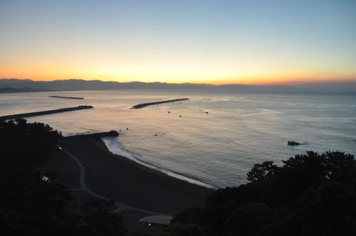 夜明け前の桂浜2