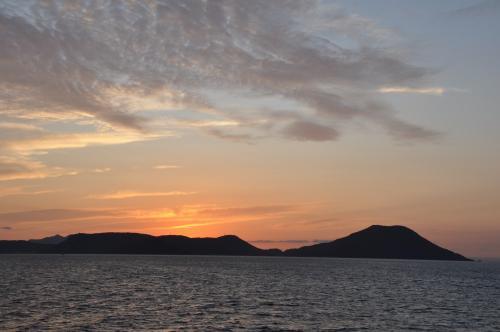 日の出前の三都半島