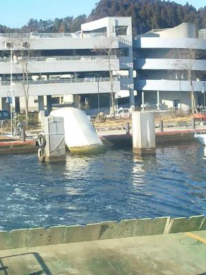 水没したままの桟橋