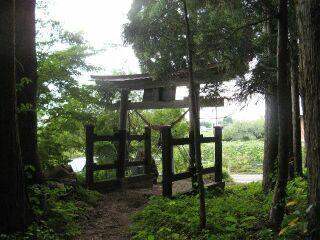 本宮神社、裏側