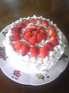 嫁とお父様の合同お誕生日ケーキ。ものすごく豪華!