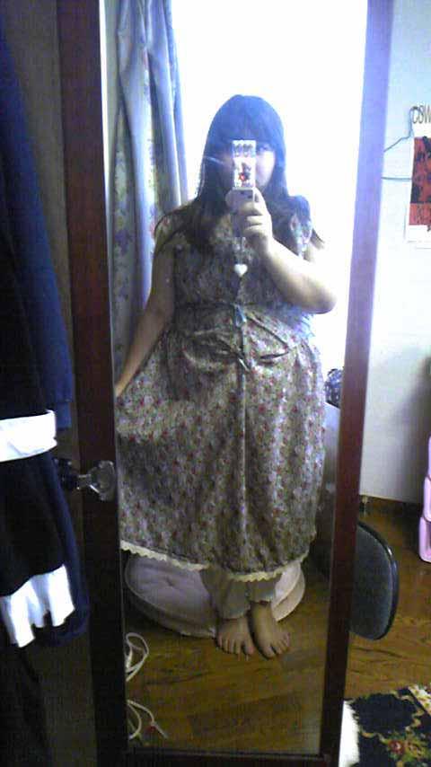 嫁用レトロワンピ・ノースリーブの状態ですが着てみるとこうなります。