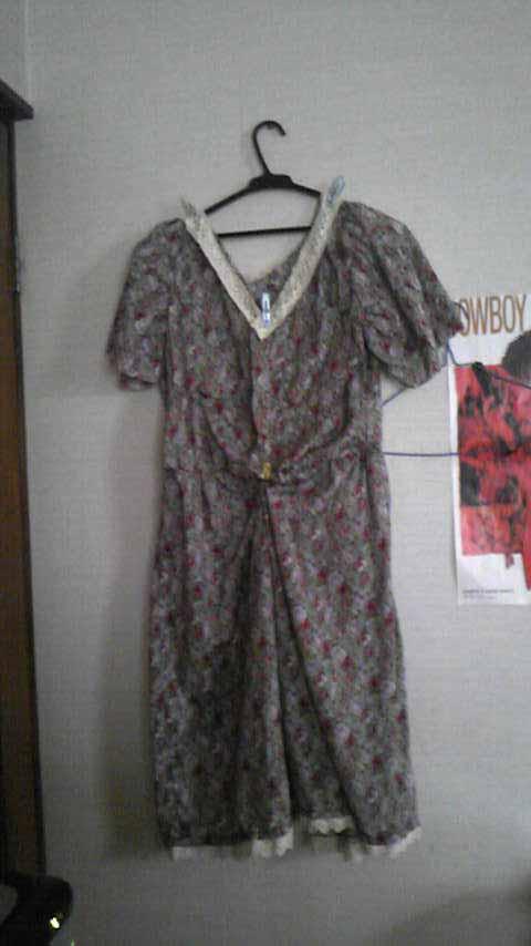 嫁用レトロワンピ・袖の第一段階まで完成。このままでも着れそう。
