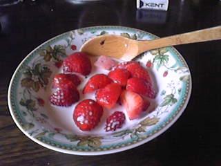 超豪華!あまおう苺のイチゴミルク!めちゃうまー!