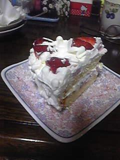 お祝いでもないのにケーキが食えるとか・・・!