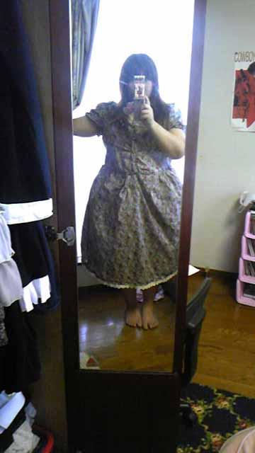 嫁用レトロワンピ・パニエを履くとスカートがふんわり。
