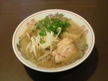 醤油ラーメン500円