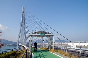 橋への入り口