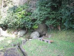 大寺川の岩水