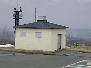 望岳台外トイレ