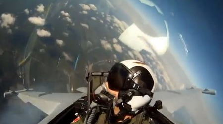戦闘機のコックピット