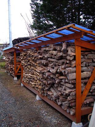 1ヶ月前の薪小屋
