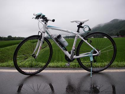 早朝サイクリングで雨