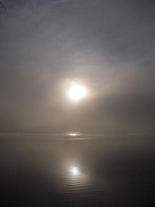 朝の湖 その2