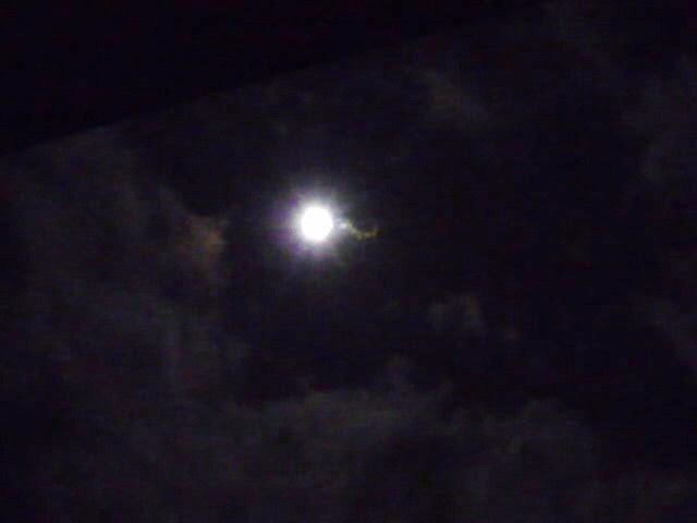 中秋の名月(レンズの汚れ)