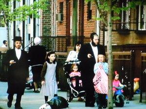敬虔なハムディッシュ系ユダヤ人の家族