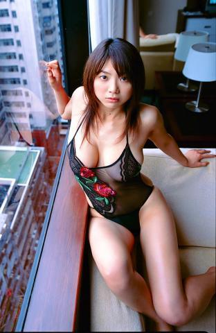 hitomi_aizawa310.jpg