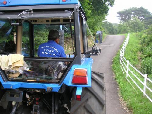 トラクターバス2