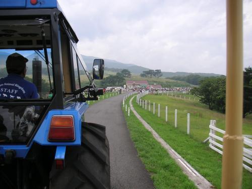 トラクターバス5