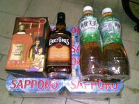 サッポロビール2ケースとウイスキー2本
