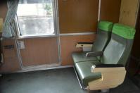 なぜかだだっ広い避難ドア横の座席