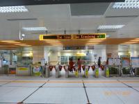 MRT新荘線の台北橋駅改札