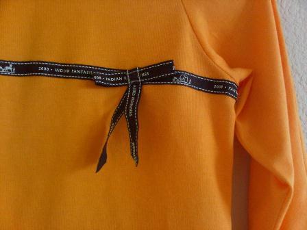 201112_orange t shirt-2