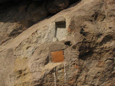 永田堂前の大岩