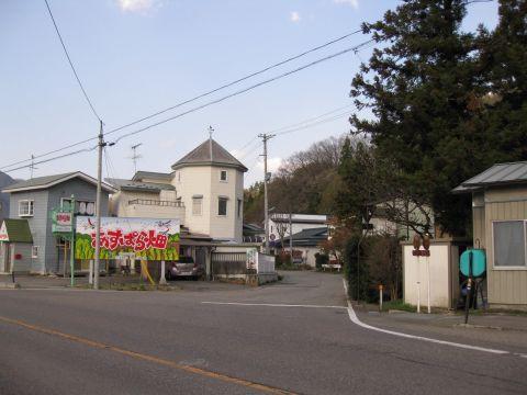 新町旧道入口